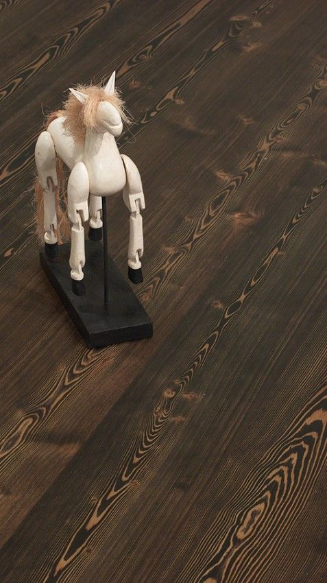 Larch, brushed Eben wax oil-white horse_RGB