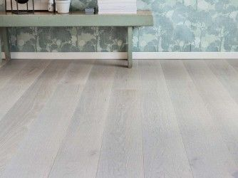Oak_HW_BOLE_brushed_matt-lacquered_closeup_web