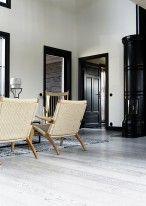 Oak_Industrial_FERRO_brushed_matt lacq_livingroom vertical2_RGB